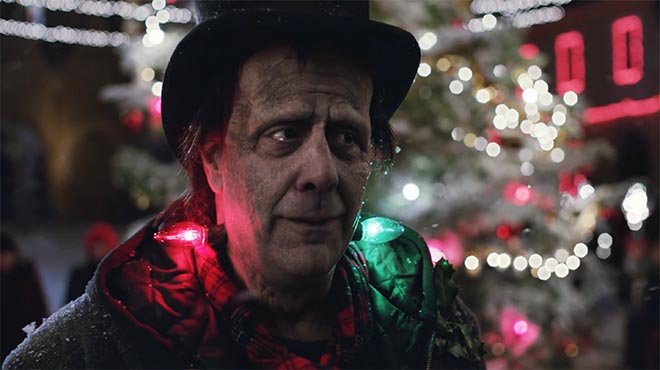 "Apple's ""Frankie's Holiday"" Ad"